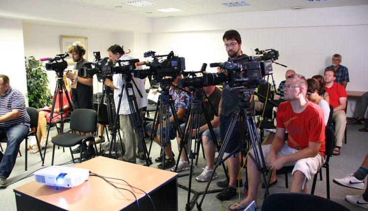 Bronisław Komorowski i Wacław Olszewski na wspólnej konferencji prasowej w Olecku. Aktualizacja