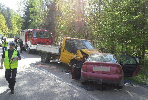 Trzy osoby trafiły do szpitala po zderzeniu dwóch pojazdów