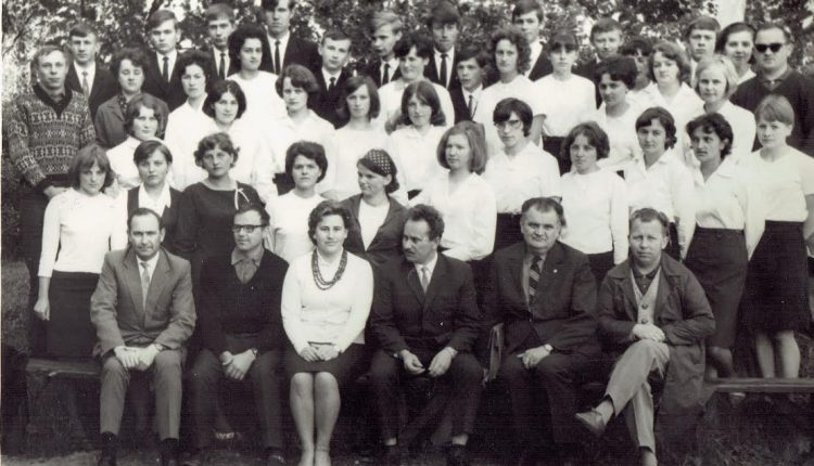 Miło szaleć, kiedy czas po temu. Aleksander Radzaj wspomina oleckich maturzystów z 1967 roku i dawne czasy
