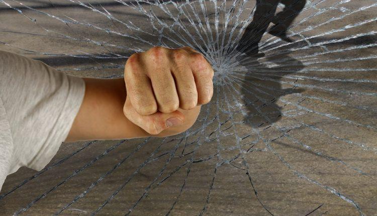 Grupa nastolatków sprawcami włamań na os. Lesk