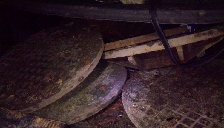 Złodzieje pokryw studzienek kanalizacyjnych ujęci